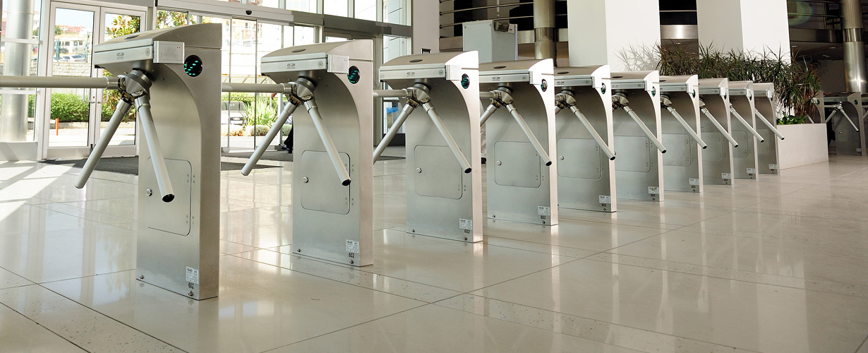 Single turnstiles, barriers and gates